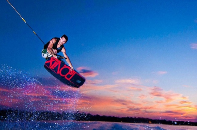 2.Wakeboarding
